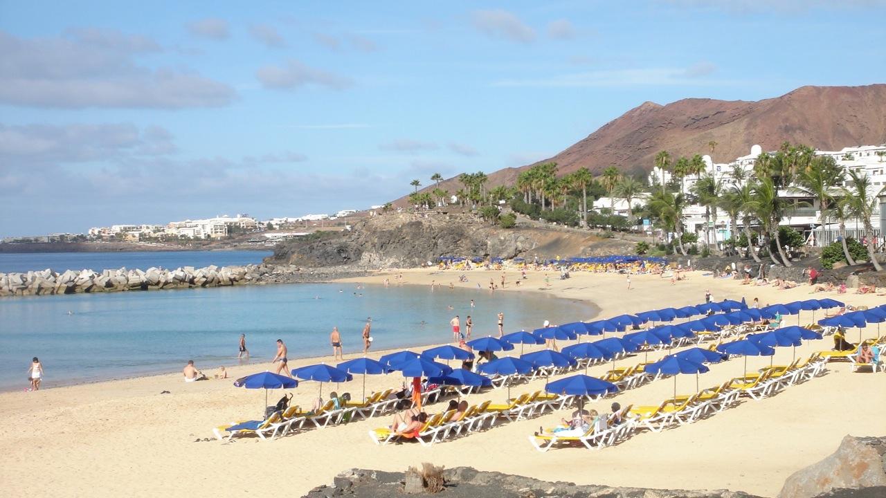 Holiday Village Flamingo Beach Resort Playa Blanca