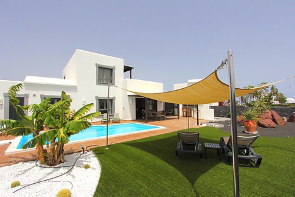 Villa 483