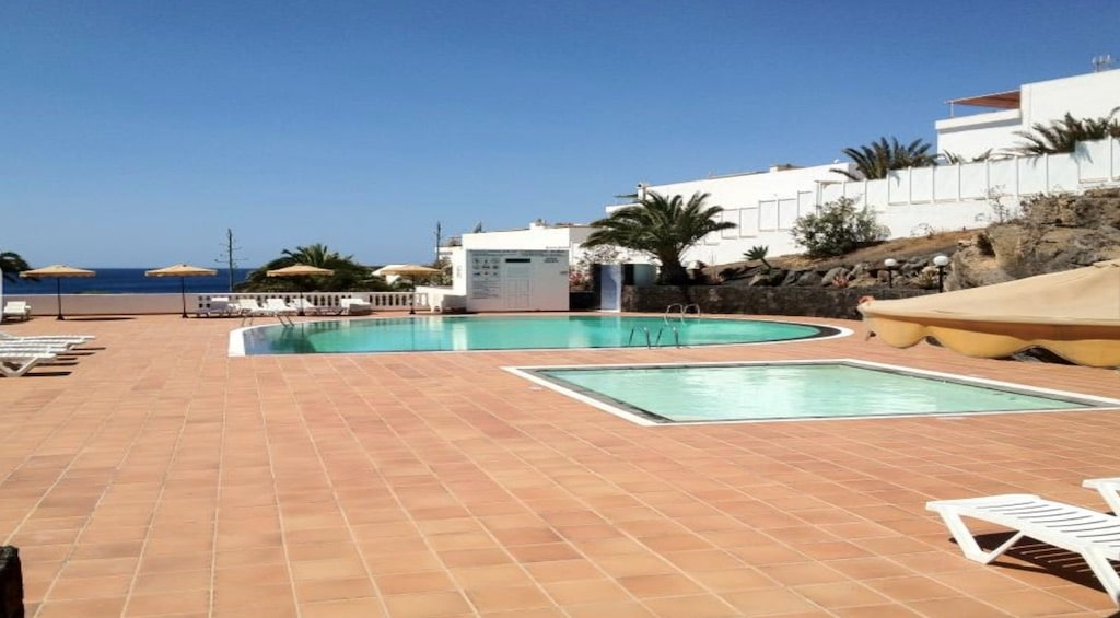 Caleton Blanco Pool